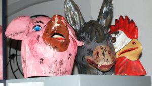 ...Schwellköpfe im Museum